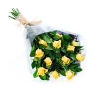 Bouquet de doce rosas amarillas