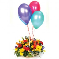 Cesta de flores mixtas con globos